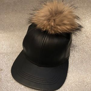 Accessories - Leather hat with real fox fur Pom Pom